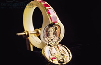 Queen Elizabeth locket ring