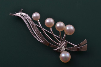 Silver Vintage Brooch With Pearls