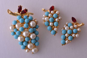 Gilt Vintage Demi Parure With Faux Pearls, Faux Turquoise And Paste