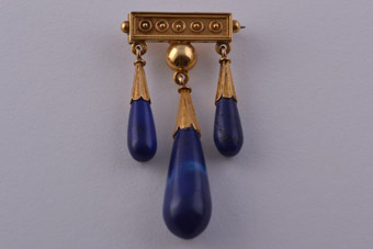 18ct Gold Victorian Etruscan Style Brooch With Lapis Lazuli