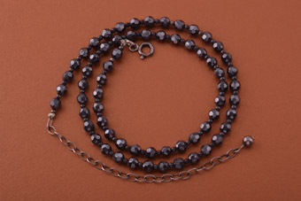 Modern Necklace With Silver And Haematite Beads