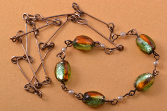 1930's Necklace With Venetian Glass And Faux Pearls