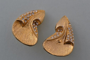 Mid 20th Century Gilt Clip On Earrings With White Paste