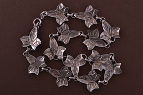 Silver Retro Mari-Lou Floral Necklace