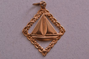 9ct Yellow Gold Vintage Yacht Charm