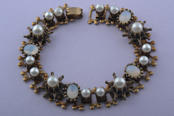 Vintage Bracelet With Faux Pearls And Mock Moonstones