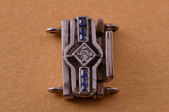 18ct White Gold Vintage Clasp With Sapphires