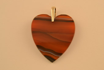 Victorian Heart Pendant With Banded Agate And 9ct Gold