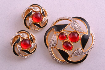 Enamel Set With Diamanté