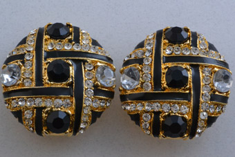Gilt 1980's Clip On Earrings With Paste
