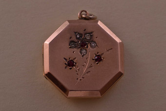 9ct Rose Gold Victorian Hexagonal Locket With Paste