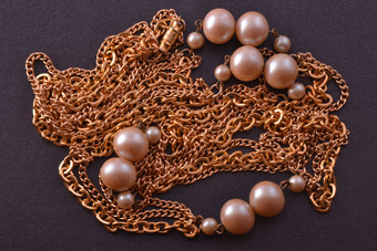 Gilt Vintage Necklace With Faux Pearls