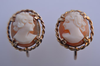9ct Yellow Gold 1950's Screw On Earrings With Cameos
