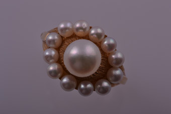 18ct Yellow Gold 1960's Retro Ring With Pearls