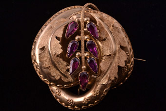 Gold Victorian Brooch / Pendant With Almandine Garnets