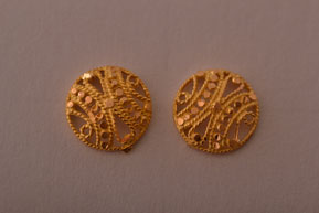 18ct Yellow Gold Vintage Filigree Stud Earrings