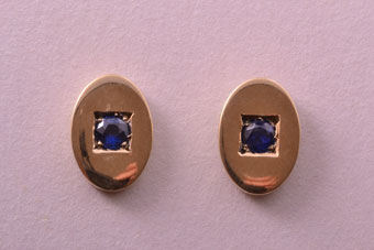 18ct Yellow Gold Vintage Stud Earrings With Sapphires
