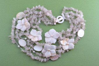 Shell Modern Floral Necklace With Rose Quartz