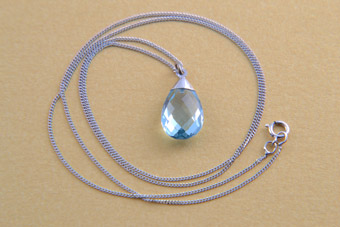 9ct White Gold Modern Pendant With Blue Topaz