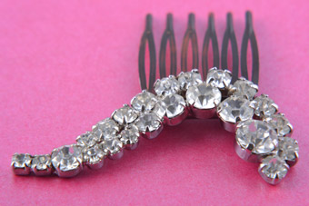 Vintage Hair Comb With Paste