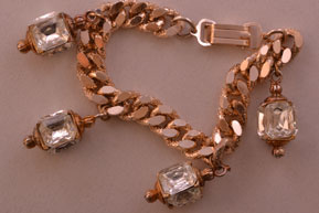 Gilt Vintage Bracelet With Glass Paste