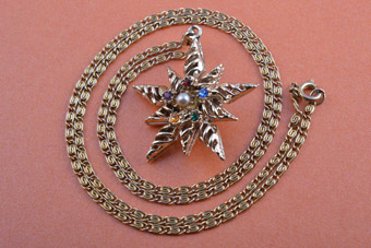 Gilt Vintage Star Pendant With Diamanté And Faux Pearl