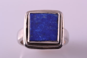 Silver Modern Ring With Lapis Lazuli