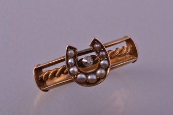 18ct Yellow Gold Victorian Ring With Pearls And A Diamond