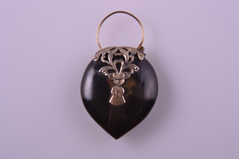 9ct Gold Victorian Heart Padlock Pendant With Tortoise Shell