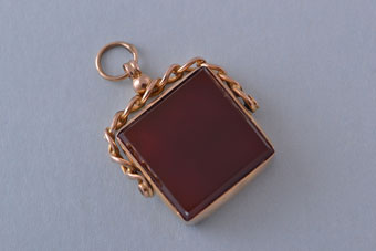 9ct Rose Gold Vintage Swivel With Carnelian And Bloodstone