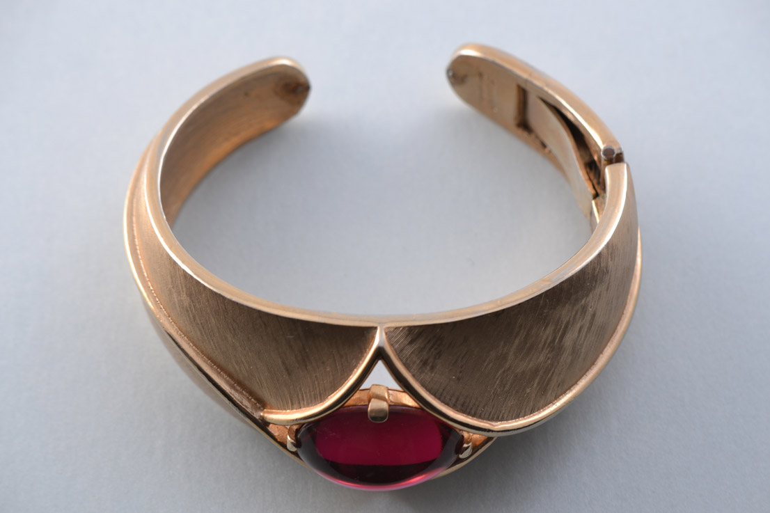 Gilt Trifari Vintage Bangle With Red Stone Vintage
