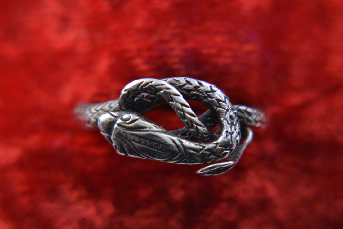 Silver Vintage Snake Ring With A Scale Pattern