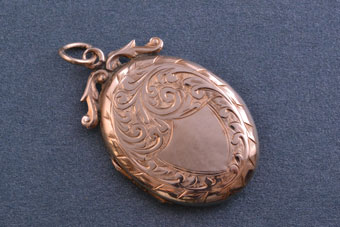 9ct Gold Victorian Opening Picture Locket
