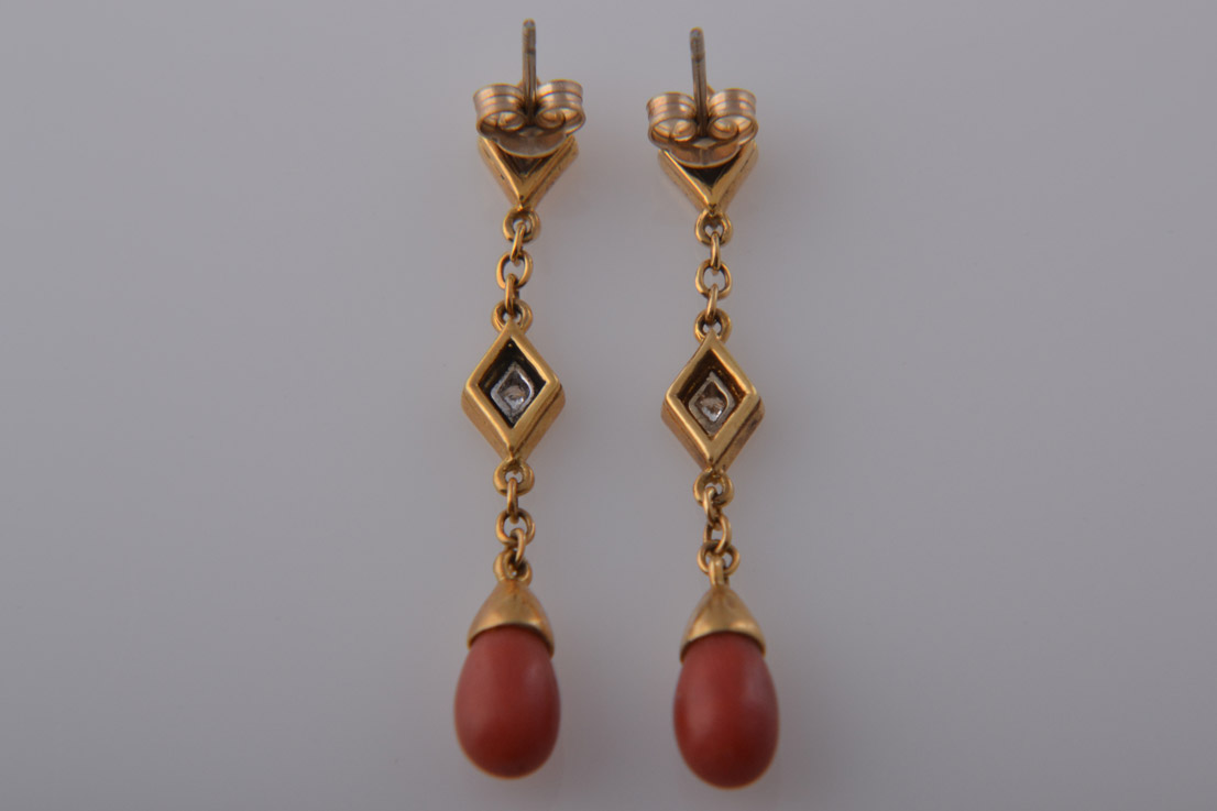 18ct Gold Vintage Drop Stud Earrings With Diamonds And