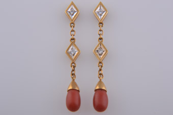 18ct Gold Vintage Drop Stud Earrings With Diamonds And Coral