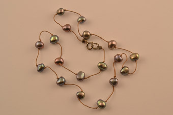 Modern Necklace With Pearls