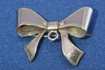 9ct Rose Gold 1950's Bow Brooch