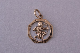 9ct Yellow Gold Vintage Cupid Charm