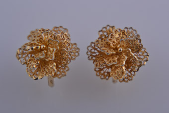 Silver Gilt Filigree Flower Screw On Earrings