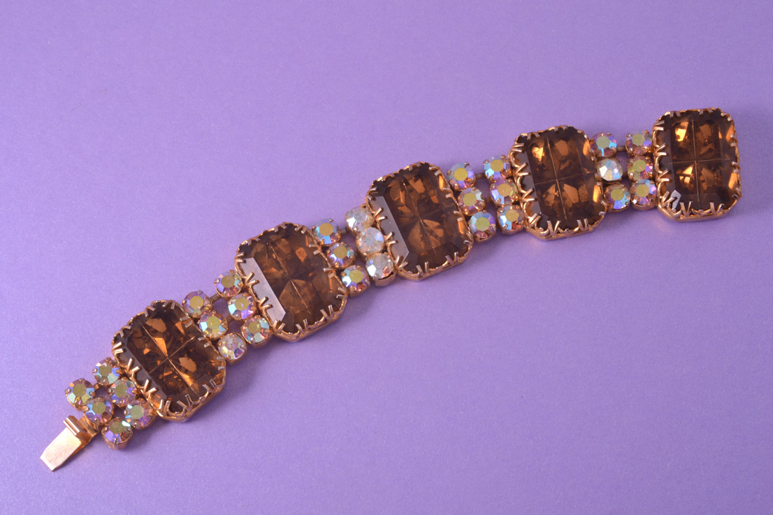 Gilt 1950's Bracelet With Topaz-Coloured Paste