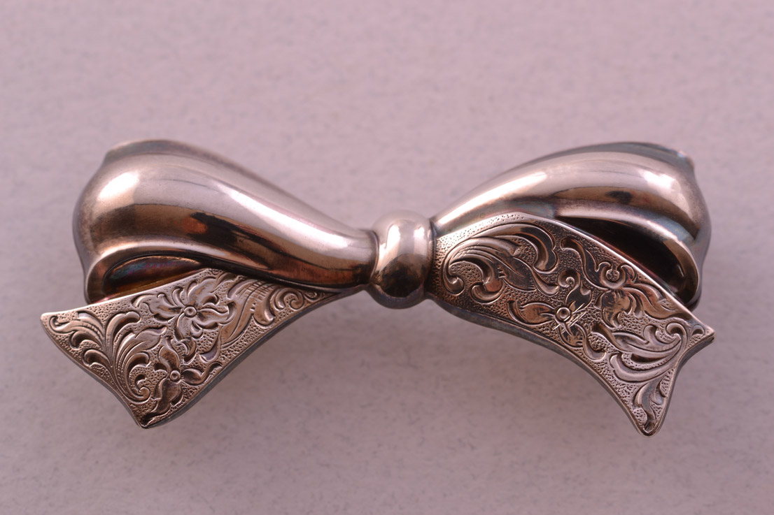 Silver Retro Bow Brooch