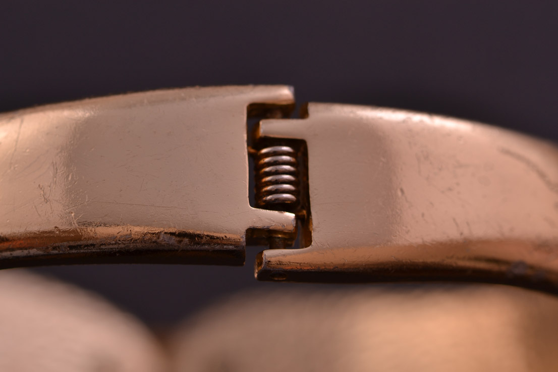 Gilt 1950 S Spring Bangle With Mother Of Pearl And Paste