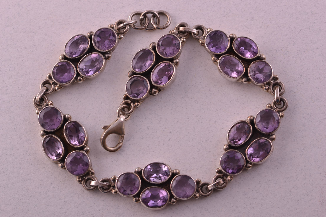 Silver Modern Bracelet With Amethysts