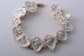 Shell Bracelet With Faux Pearls