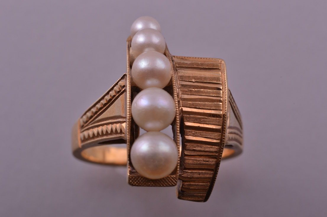 14ct Yellow Gold 1960's Retro Ring With Pearls