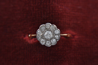 18ct Yellow And White Gold Victorian Daisy Ring With