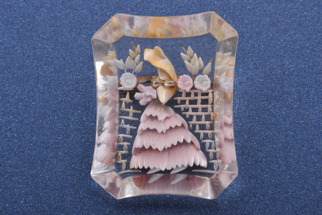 Lucite 1940's Brooch
