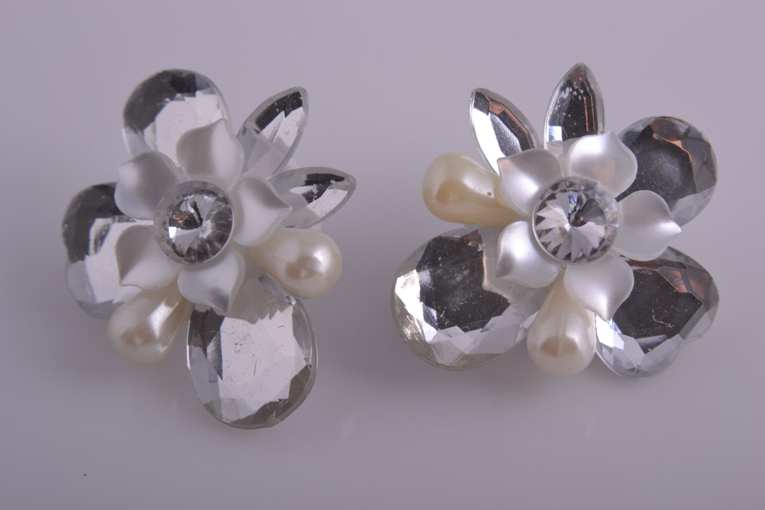 Plastic 1950's Mirror Flower Clip On Earrings