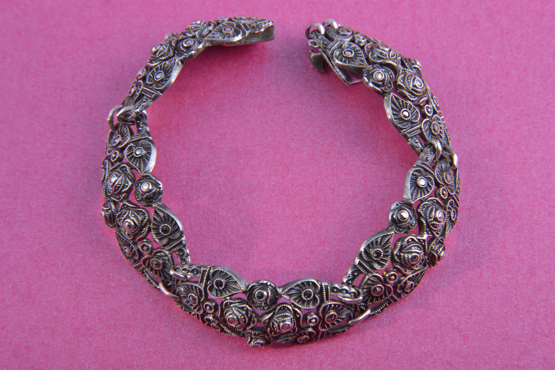 Silver 1930's Rose Bracelet With Marcasite