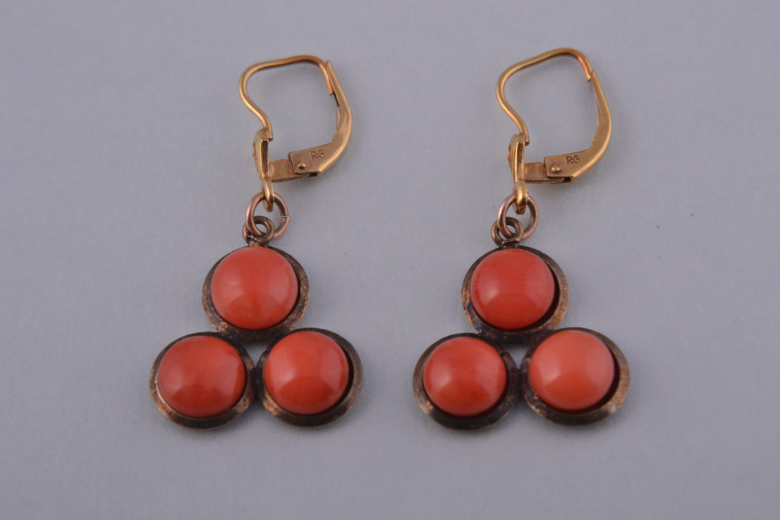 Gilt Vintage Hook Earrings With Faux Coral